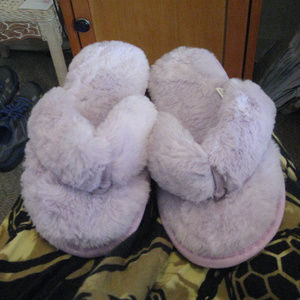Shoes - NEW THONG FAUXFUR FLIPFLOP SLIPPERS L*FREESHIP